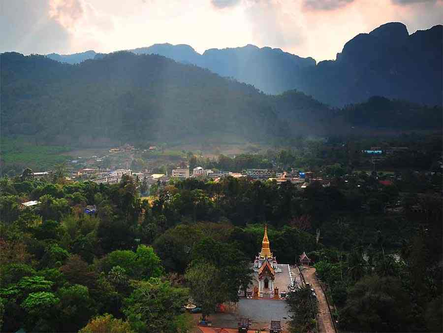 Wat Tha Kanun, Thong Pha Phum, Kanchanaburi | www.safarine.com